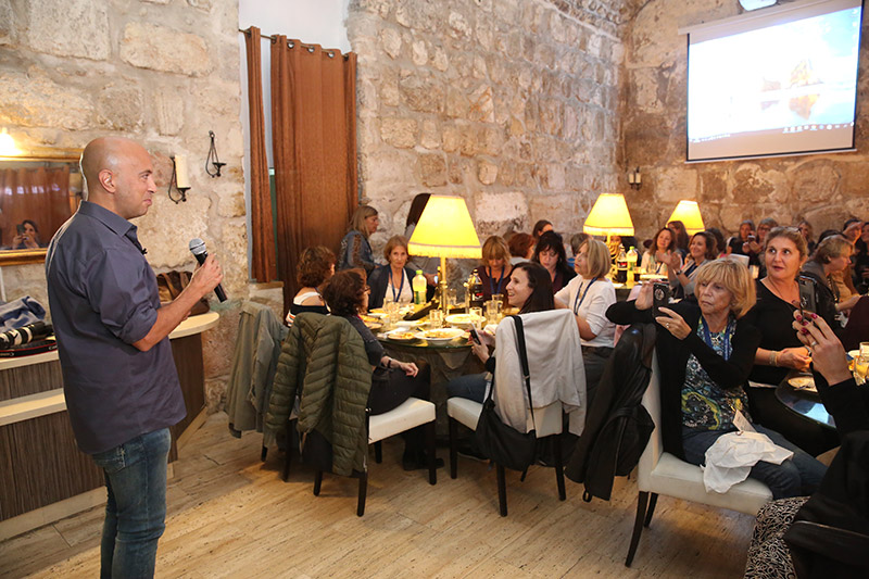 Participants enjoy dinner and an evening with Avi Issacharoff, journalist and co-creator of Fauda
