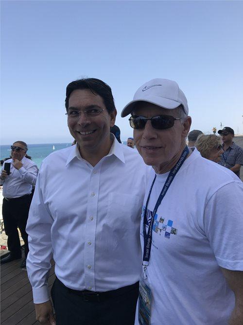 Adrian Grant and Israel's UN Ambassador Danny Danon celebrate Yom Ha'atzmaut in Tel Aviv
