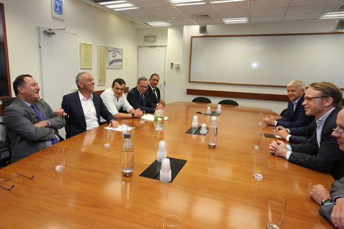 Dr. Weidmann meets with Finance Moshe Kahlon and other ministry officials