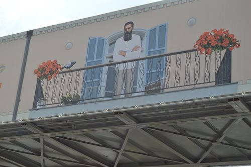 """If you will it, it is no dream"" – a watchful Theodor Herzl gazes down on a Red Line construction site, the culmination of over 100 years of searching for transportation solutions in Tel Aviv"